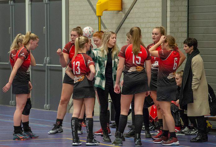 Korfbal dames: DS1 SPES Milsbeek - DS1 DDW/SDO '99 Lage Mierde.Sporthal Heuvelland in Groesbeek. 16.00