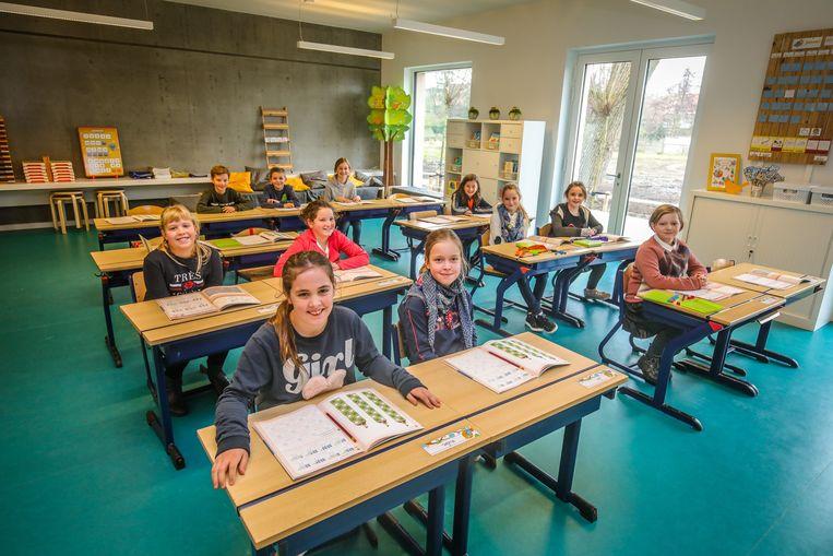 De leerlingen van De Linde krijgen les in een splinternieuw gebouw.