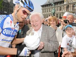 """Raymond Boonen (88), grootvader én grootste supporter van Tom, bezweken aan coronavirus: """"Via tablets hebben we nog afscheid kunnen nemen"""""""