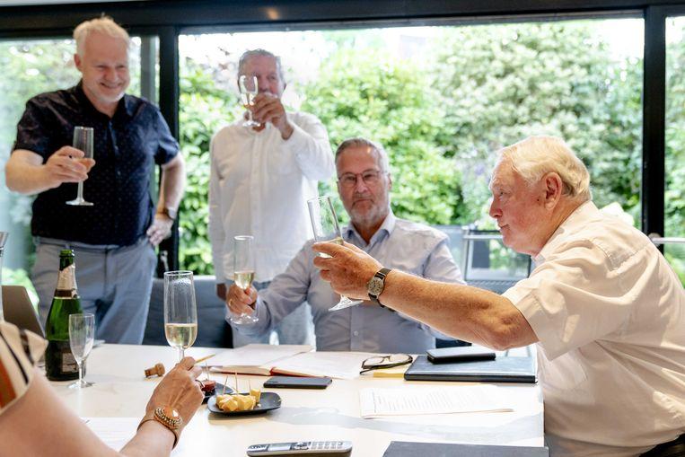 Jan Nagel viert zijn benoeming tot 50PLUS-voorzitter. Beeld ANP