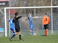 Tiental Oranje Zwart houdt tegen Wacker punt over na vrije trap á la Schöne