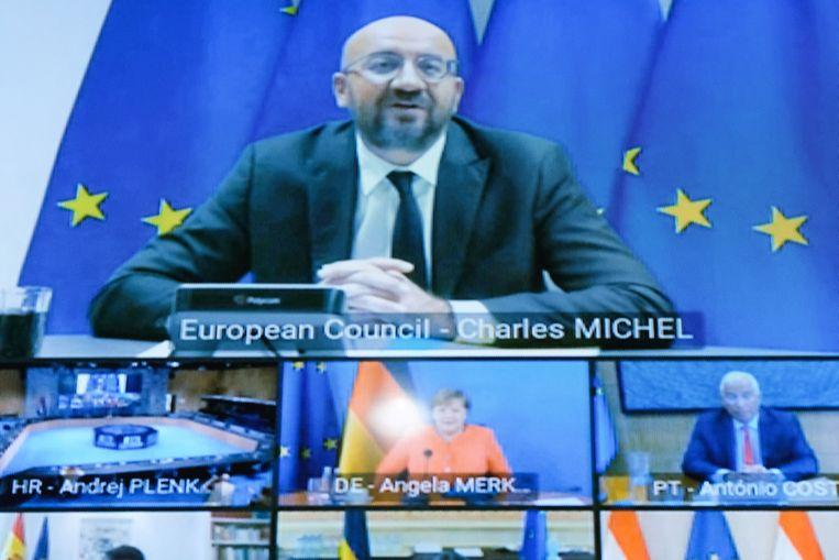 Europees Raadsvoorzitter Charles Michel (top) en de staatshoofden en regeringsleiders van de EU tijdens de videoconferentie vandaag.