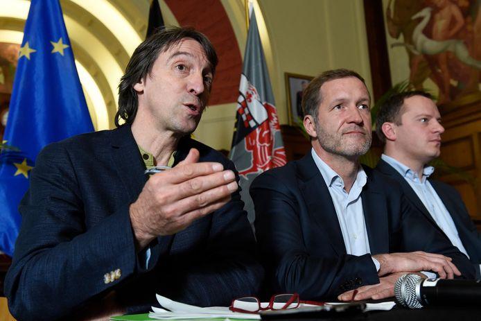 Dans l'ordre: Xavier Desgain (Écolo), Paul Magnette ( PS ) et Eric Goffart (C+)