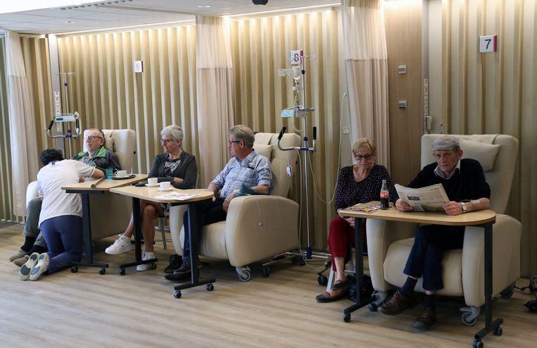 Patiënten van het daghospitaal baden voortaan in daglicht tijdens hun behandeling.
