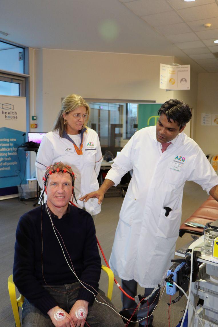 Jan Bertels ontdekt via een machine zijn hersenritme