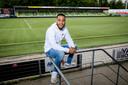 Dwayne Green in het stadion van FC Dordrecht.