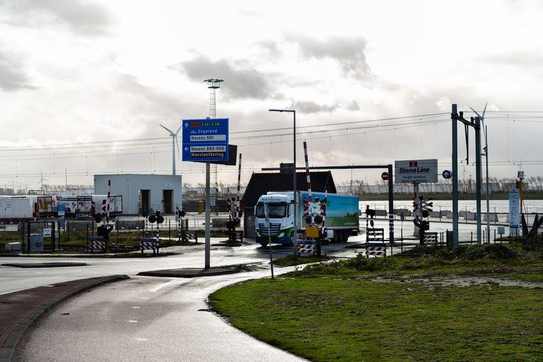 Vrachtwagenverkeer. Beeld Katja Poelwijk