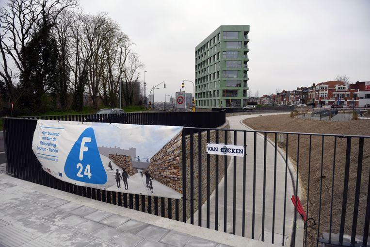 De nieuwe fietstunnel opent maandag allicht wel.