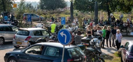 Natuurmonumenten blij met plan auto en motor in het weekend te weren van de Posbank