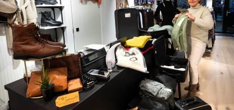 Modewinkeliers in Arnhem en omgeving zoeken laatste strohalm in coronatijd met 'pastassen' en 'window shopping'