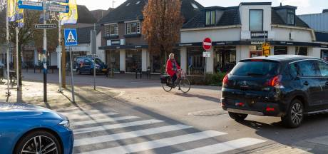 Maatregelen bij gevaarlijk kruispunt in Vaassen: 'Wekelijks ligt een fietser op de motorkap'