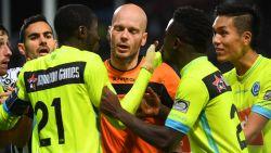 """Scheidsrechtersbaas: """"Videoref moest Delferière aansporen om tóch naar beelden te kijken: penalty was zeker mogelijk"""""""