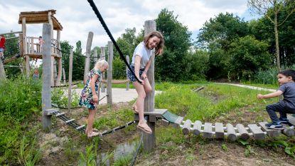 Schommelen, glijden en waterpret: nieuw speelterrein in Kessel is paradijs voor kinderen