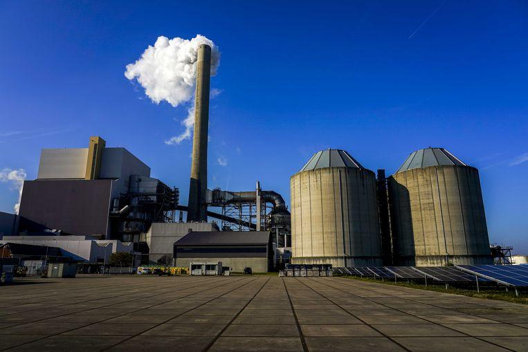 De Hemwegcentrale: de kolencentrale aan de Amsterdamse Hemweg zou aanvankelijk pas in 2024 sluiten, maar het kabinet besloot de deadline te vervroegen. Beeld ANP