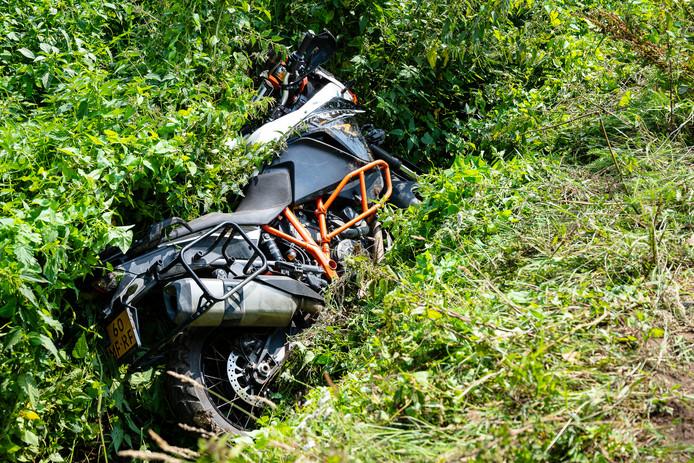 Motorrijder komt ten val op zandpad Diessen