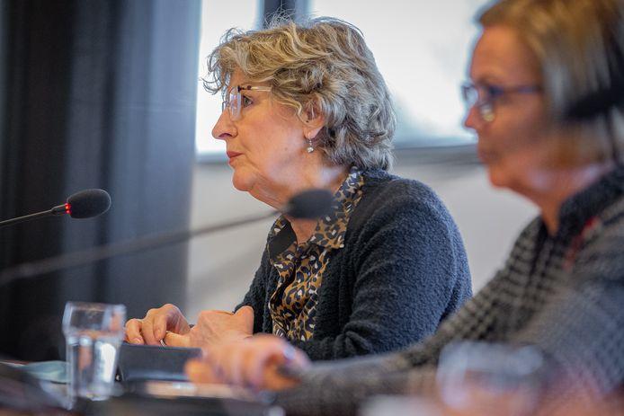 Burgemeester Corry van Rhee-Oud Ammerveld van Druten (l) en burgemeester Marijke van Beek van Wijchen.
