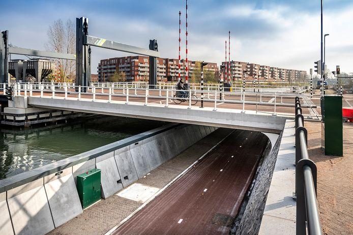 De nieuwe fietstunnel op de Kanaalweg achter de Jaarbeurs.