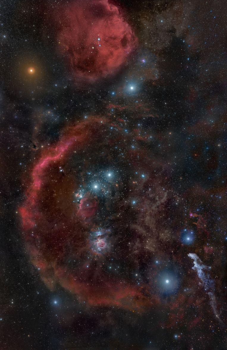 Het sterrenbeeld Orion, met linksboven (oranje) de ster Betelgeuze.  Beeld Rogelio Bernal Andreo