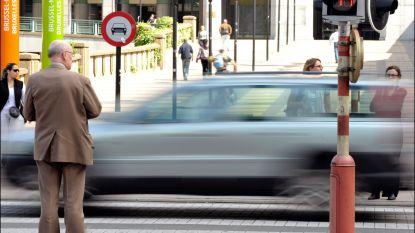 Steeds meer voetgangers negeren rood stoplicht