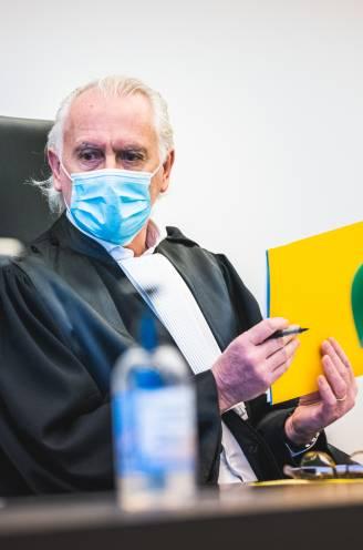 """Politierechter Peter D'hondt tegen corona-overtreders: """"Sprakeloos? Da's een boek van Tom Lanoye. Lees dat maar uit in de cel"""""""