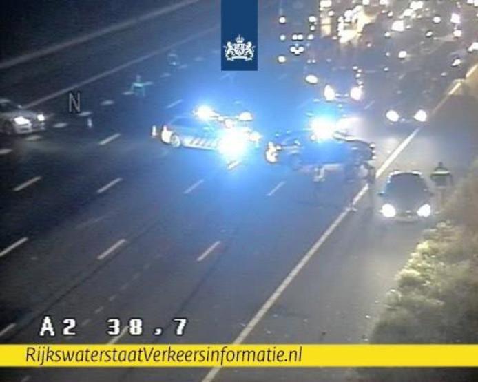 De A2 is afgesloten van Amsterdam tot Utrecht na een ongeluk.