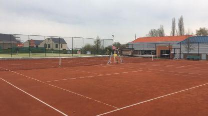 Twee nieuwe tennisterreinen in Sportpark De Steenoven