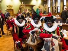 Scholen Amsterdam zijn vrij met figuur Zwarte Piet