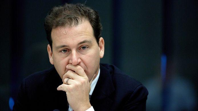Minister Lodewijk Asscher van Sociale Zaken tijdens een overleg in de Tweede Kamer over de inkomens- en vermogensverdeling