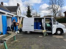 Bijstandsmoeder Sanne rijdt elke maand naar Frankrijk: 'Ze worden behandeld als beesten'