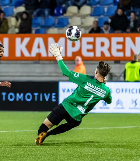 RKC-trainer Grim voelt mee met debutant Zielschot: 'Ze laten hem met z'n allen zakken'