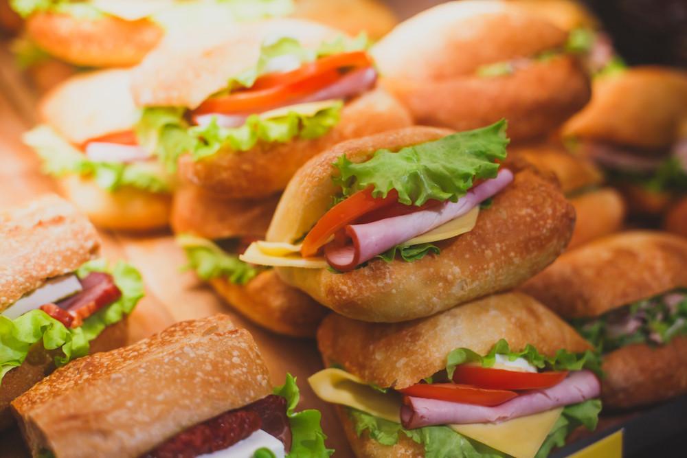 Broodjeszaken moeten misschien toch weer een exploitatievergunning aanvragen.