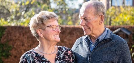 Haaksbergs stel zestig jaar samen, dankzij de bus die niet kwam