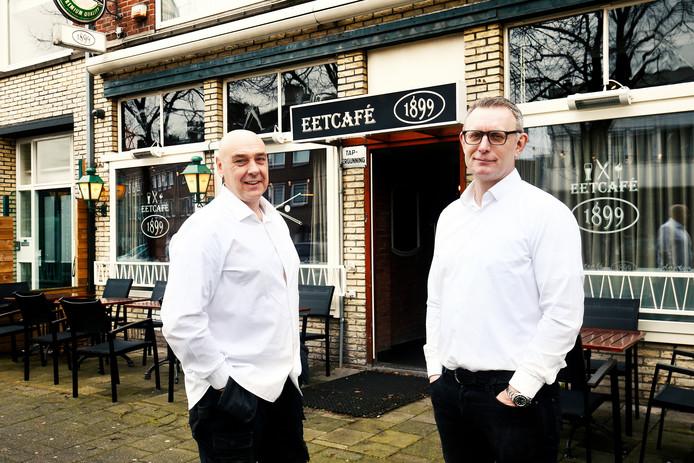 Leen en Patrick (rechts) zijn de nieuwe uitbaters van het oude café Murk, nu met als naam Eetcafe 1899.