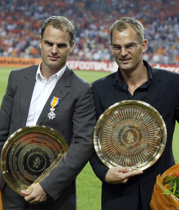 Recordinternational Frank de Boer en zijn broer Ronald nemen afscheid als internationals van Oranje.