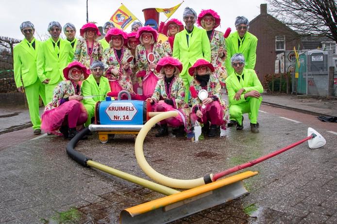 Carnavalsoptocht Diessen anno 2019: de kruimels maken er een opgeruimde optocht van.
