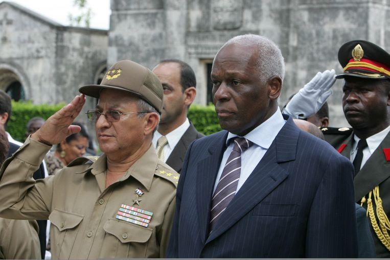 De voormalige Angolese president José Eduardo Dos Santos op bezoek in Havana, Cuba.  Beeld AFP