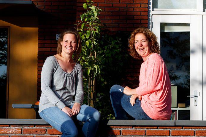 Madelon (links) en haar buurvrouw Petra