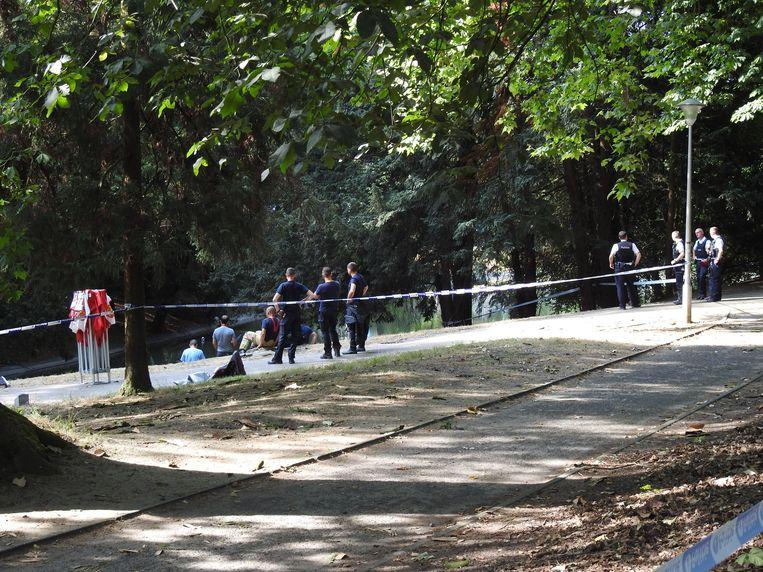 Het lichaam van Edith Lepeer werd gevonden in een vijver in het Citadelpark, waarna speurders de omgeving onderzochten.