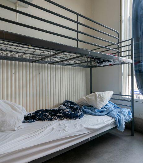 Inloopschip in quarantaine: 24 daklozen wachten tot zondag op test