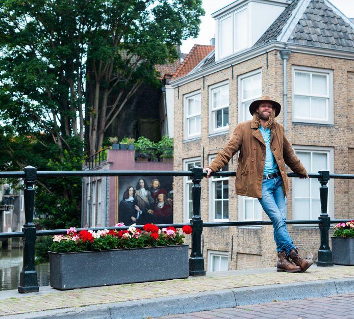 Rens Ouburg woont een half jaar in Dordrecht. ,,Het is een supercreatieve stad.''
