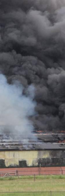 Brandweer mocht eerst niet naar grote schuurbrand in Wierden: 'Geen bevel'