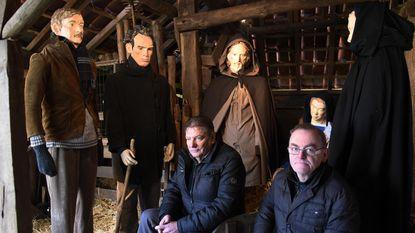 Vandalen razen door kerststal: armen Maria afgerukt, hoofd herder ingeslagen en beeld kindje gestolen