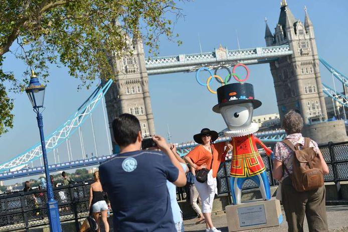 ONE TO WATCH: De Tower Bridge kreeg de olympische ringen aangemeten.