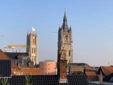 Ook witte vlaggen op Sint-Baafskathedraal en aan stadhuis