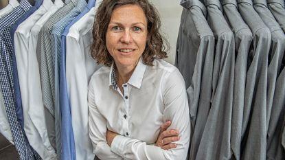 Ook een hekel aan hemden strijken? In Hooglede opent winkel met alleen maar kreukvrije exemplaren