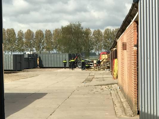 In de voormalige steenfabriek in Velddriel werd ook een inval gedaan.