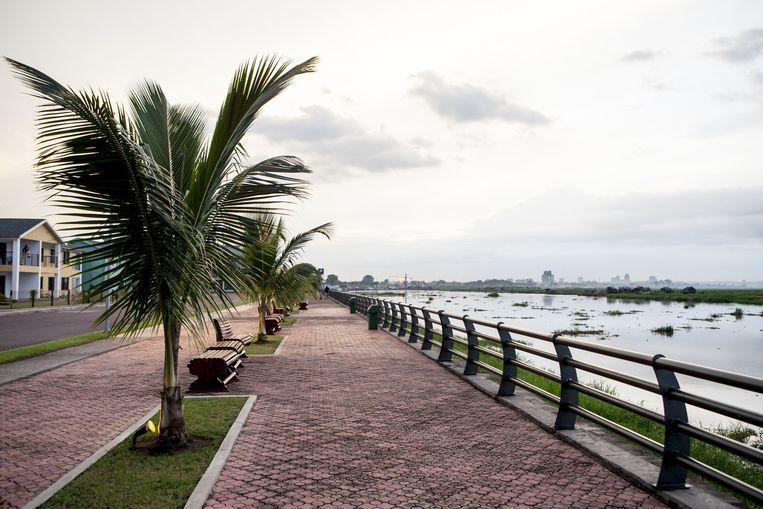 Aan de oever van de Congorivier kan tegenwoordig ook worden geflaneerd. Beeld Yvonne Brandwijk