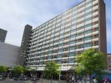 Bewoners zijn liftstoringen en ander ongemak met Woonbron zat: Zonder lift is elfde verdieping héél ver