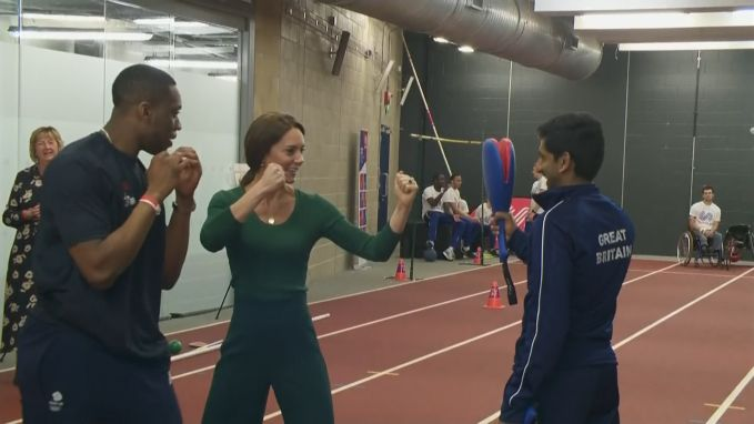 Sporten met de royals: Kate Middleton toont boksskills