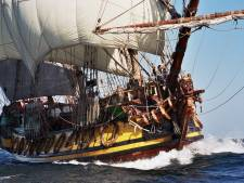 Publiek welkom om een kijkje te nemen bij historisch schip in Hellevoetsluis